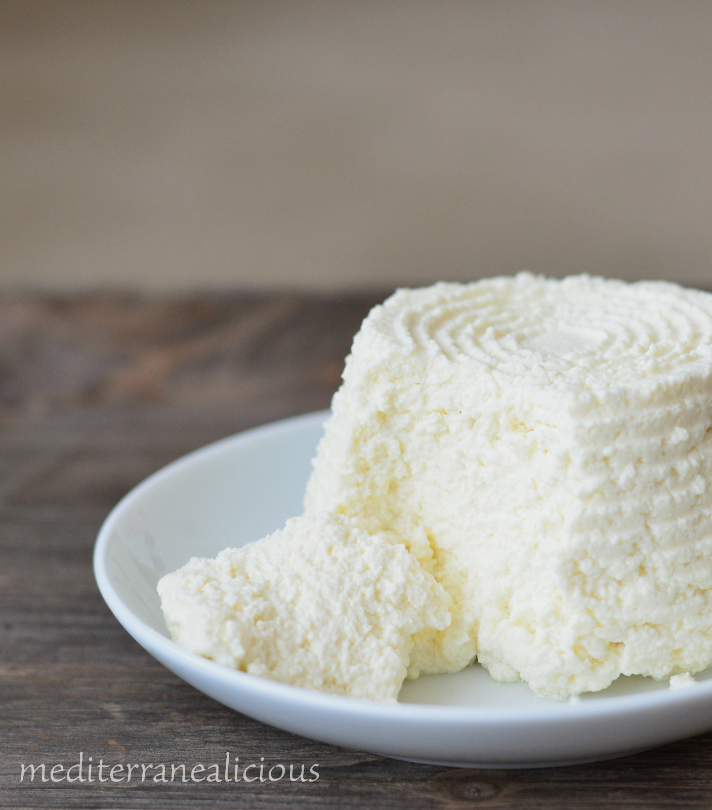 Homemade Ricotta Cheese - Mediterranealicious